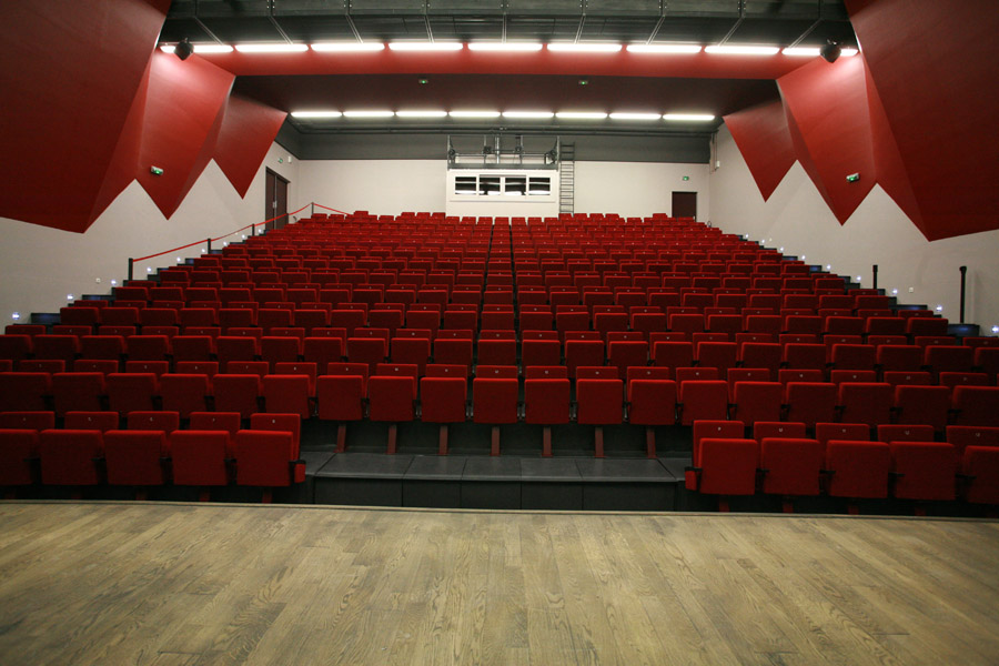 Autre vue de l'auditorium de Fourques
